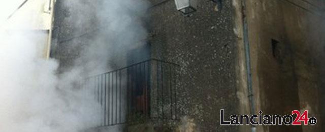 Incendio in via Delle Ripe, paura nel quartiere Civitanova