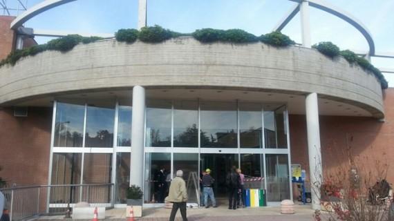 Assalto ai centri commerciali di Lanciano e Rocca, ritrovati il Suv e i bancomat rubati