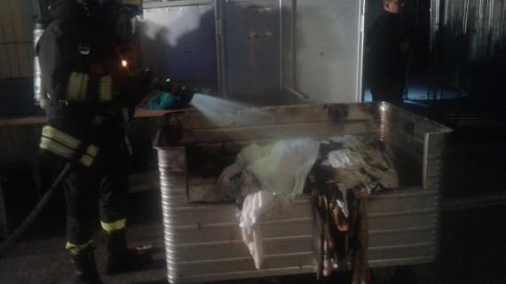 A fuoco lavanderia industriale a Mozzagrogna