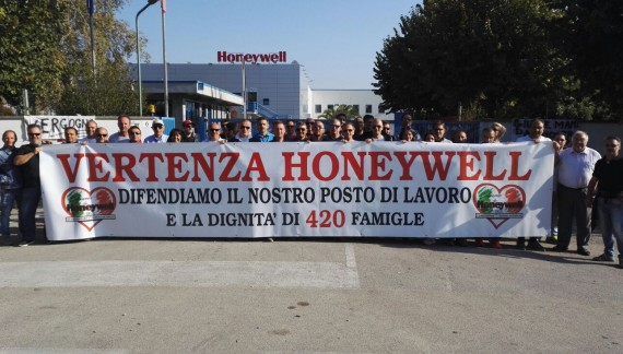 Chiusura Honeywell, raggiunto l'accordo: cassa integrazione per 10 mesi ancora e stabilimento ceduto gratis