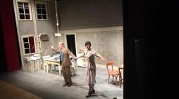 Il duo Solarino-Scarpati porta in scena il capolavoro di Scola, Una giornata particolare