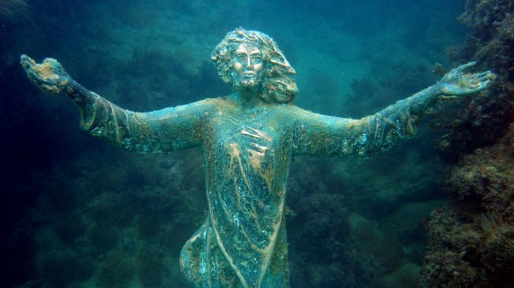 Domani il Cristo degli abissi torna nei fondali di Vallevò