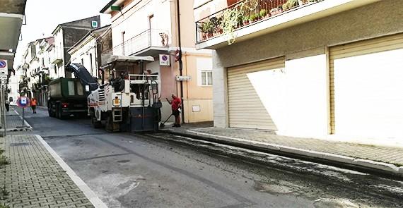 Orsogna. Da via Adriatico iniziati i lavori per migliorare sistema di raccolta acque.