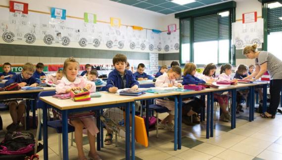 Scuola infanzia, primaria e media. A Settembre irrinunciabile il mantenimento della distanza di sicurezza