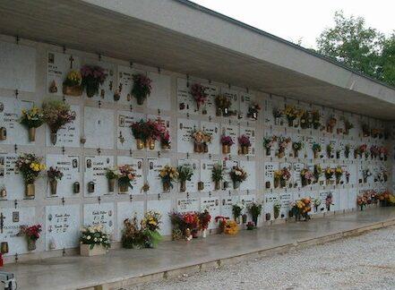 Visite al cimitero, accessi regolamentati per evitare assembramenti